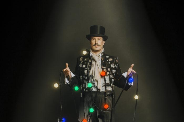 Mr. Buka presenta... volilà! Cia. Sergi Buka Espectacle de màgia familiar