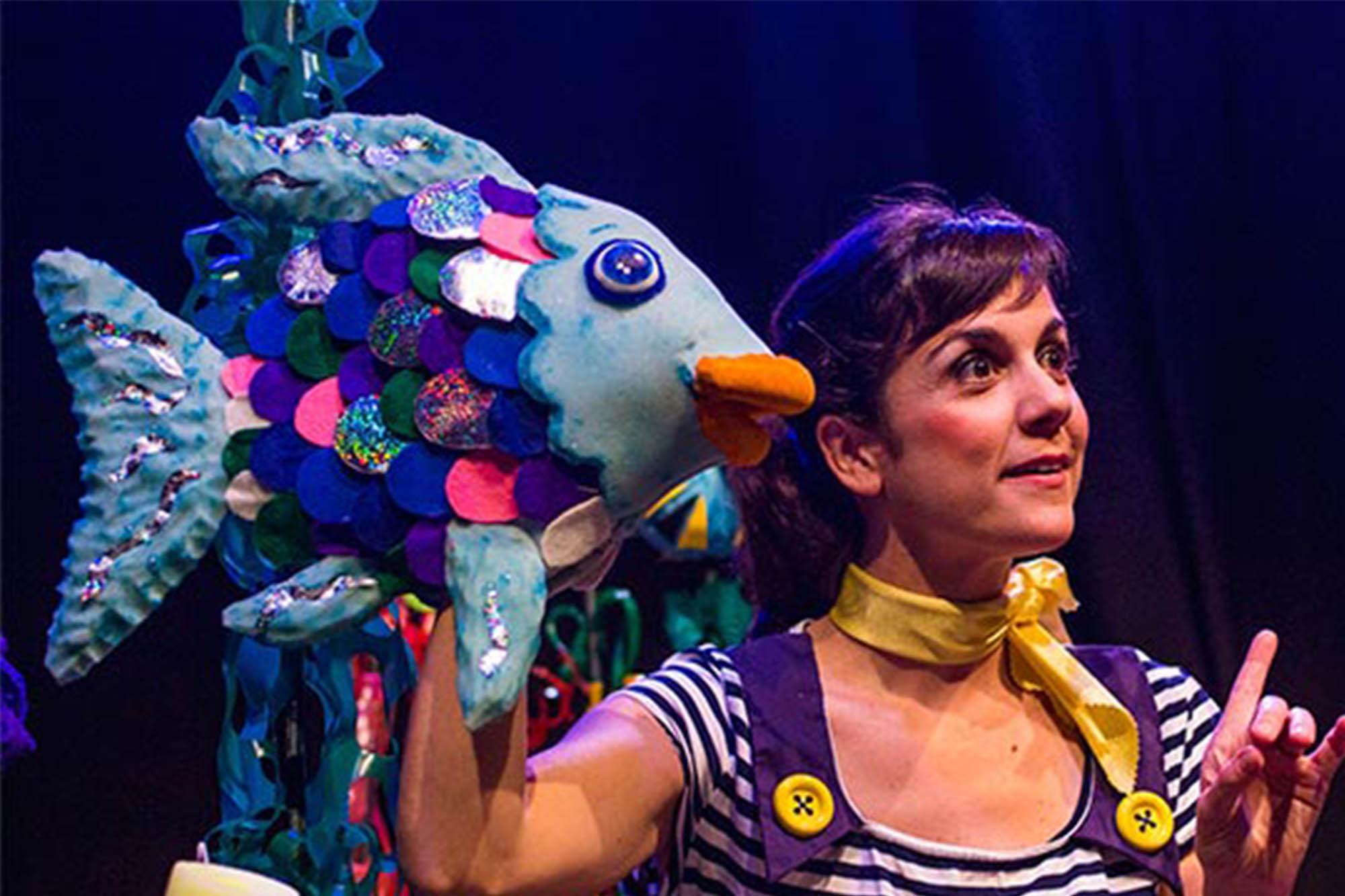 El peix irisat Tanaka Teatre