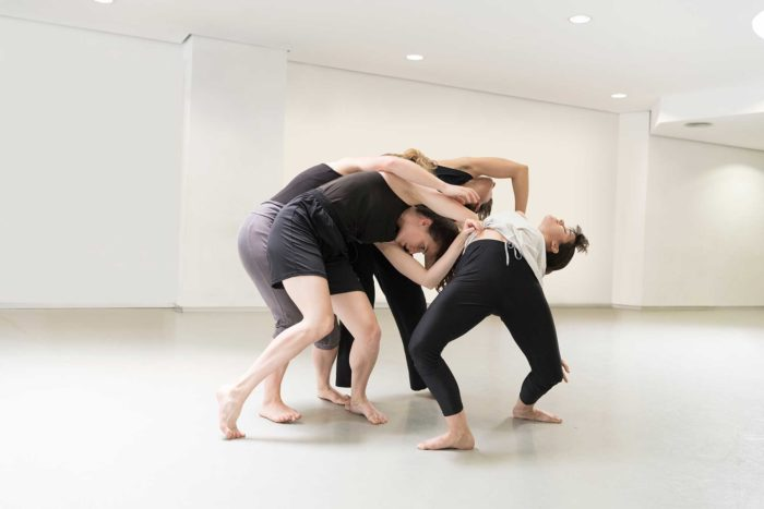 Unaiuna Espectacle de dansa contemporània